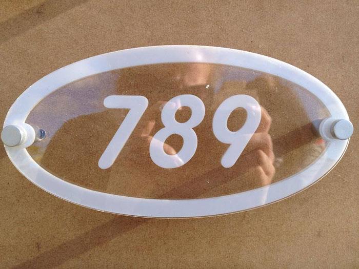 Acrylic 789 laser cutter